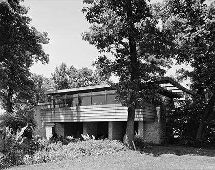 Loyd Lewis House Black and White Phot